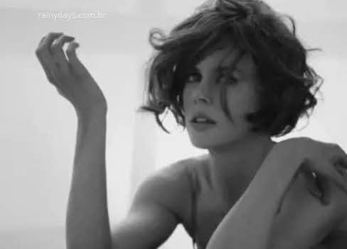 Nicle Kidman em preto e branco