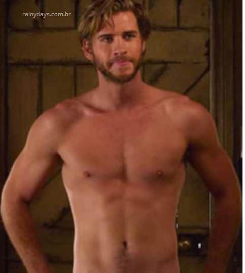 Liam Hemsworth gostoso sem camisa