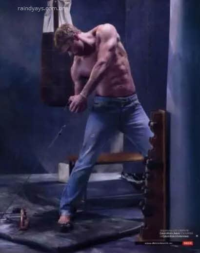 Kellan Lutz mostra os músculos na Men's Health Espanha