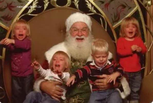 Fotos de crianças apavoradas com Papai Noel