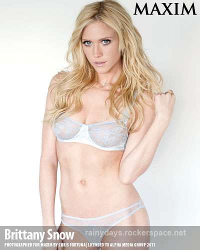 Brittany Snow sensual de lingerie