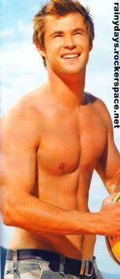 Chris Hemsworth sarado sem camisa