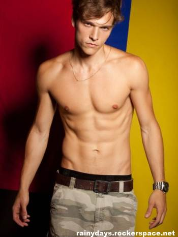 Alexandre Cunha modelo gostoso sem camisa