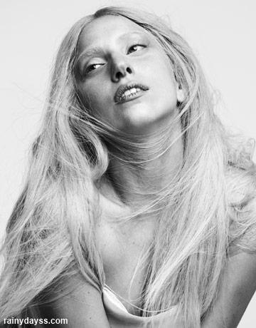 Lady Gaga Sem Maquiagem na Harper's Bazaar 2