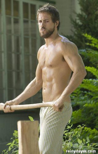 Ryan Reynolds musculoso