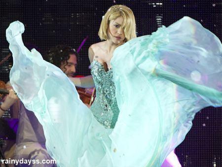 Shakira de cabelo curto no 40 Principales Awards 2011