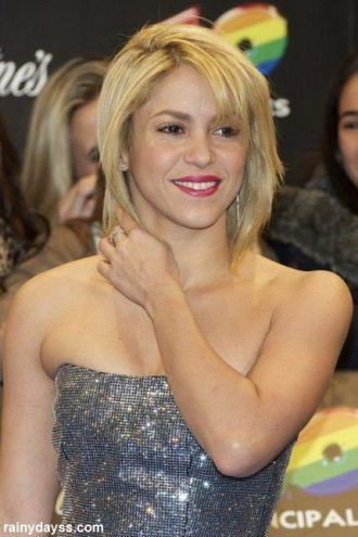 Shakira de Cabelo Curto