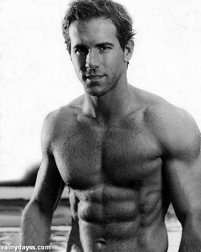 tanquinho Ryan Reynolds sem camisa