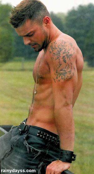 Ricky Martin Sem Camisa