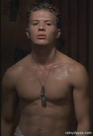 Ryan Phillippe sarado sem camisa