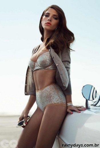 Ashley Greene Sexy na GQ Inglesa 3