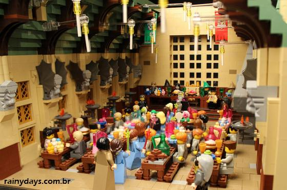 Mulher recria Hogwarts do Harry Potter com 400 mil LEGOs 2