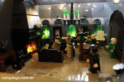 Mulher recria Hogwarts do Harry Potter com 400 mil LEGOs 3