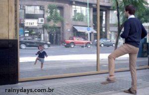 Bebês Dançando em Novo Comercial da Evian