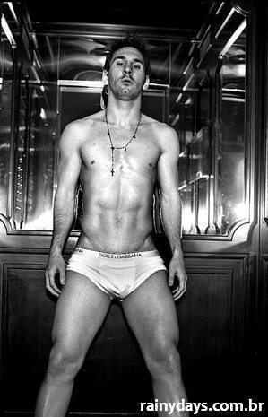 Messi Sexy Sem Camisa 3