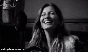 Gisele Bundchen cantando All Day & All Of The Night