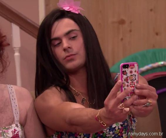 Zac Efron Vestido de Mulher no Jimmy Fallon