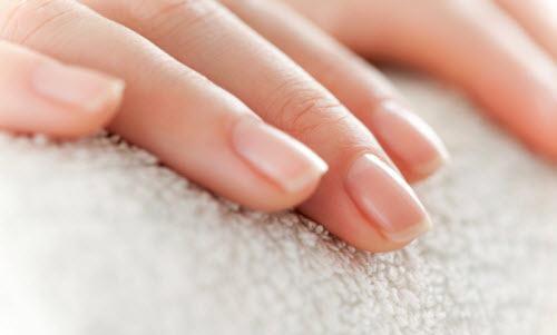 Significado de manchas nas unhas