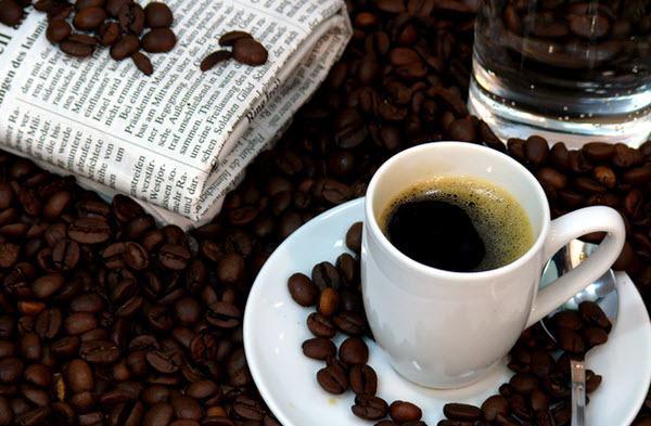 Café forte não significa mais cafeína!