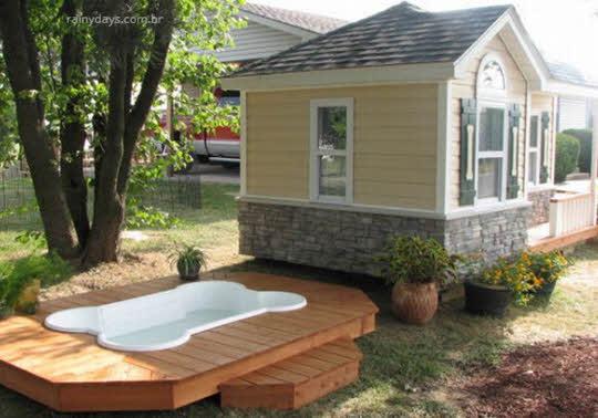 casa para cachorro com piscina
