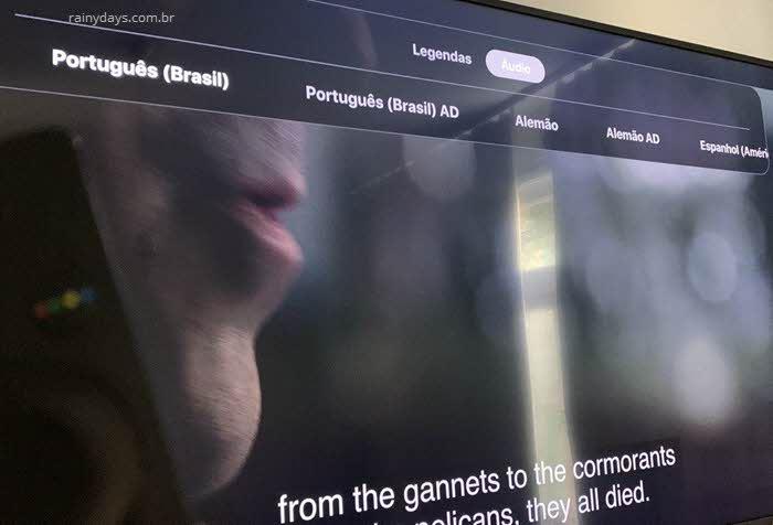 Alterar idioma do áudio no aplicativo Apple TV da Samsung